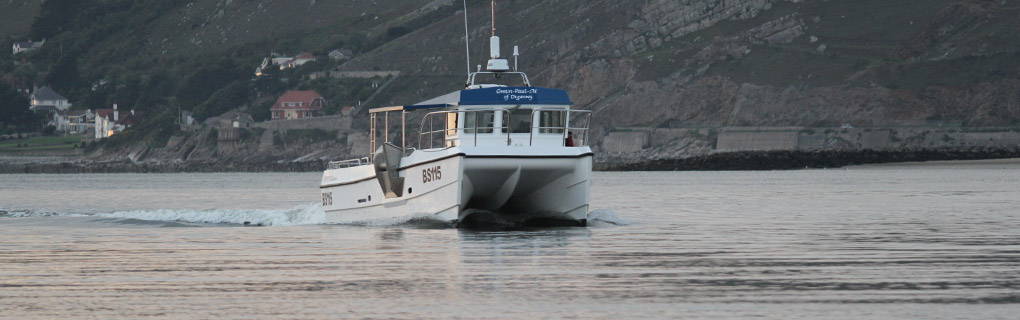 Gwen-Paul-M steaming home into the Conwy Estuary